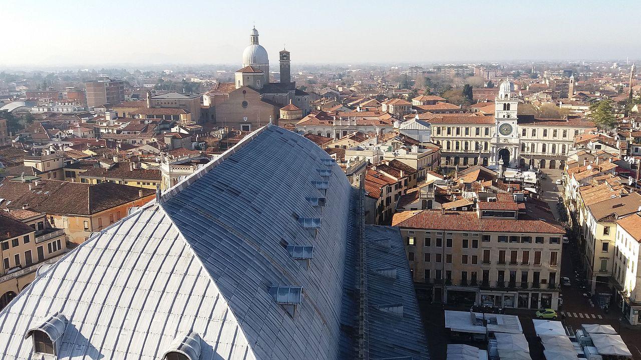 Padova, panorama - Foto di Fioccof, CC BY-SA 4.0, da Wikimedia Commons